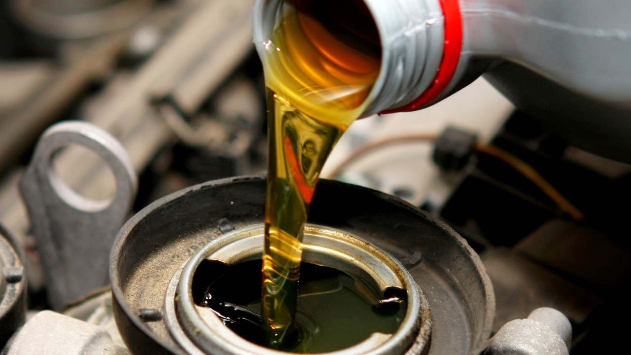 BOPT_CML_Industrial_Automotive_Engine_Oil_Lubrication_Piston