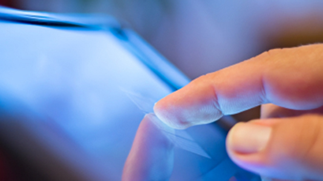 Displays and Touchpanels